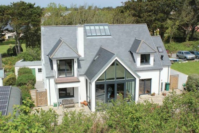 This German engineered package build in Guernsey by Hanse Haus has replaced a bungalow on the site