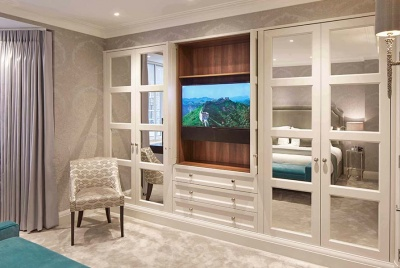 Luxury Bespoke Wardrobe in London Park Lane