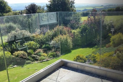 trade balustrade glass balcony