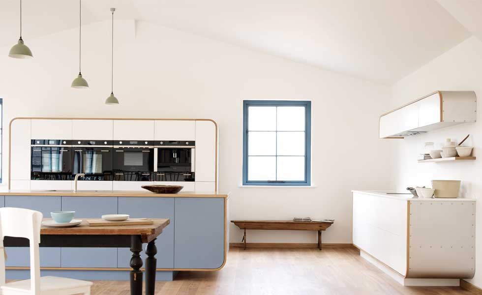 DeVOL's contemporary Air kitchen