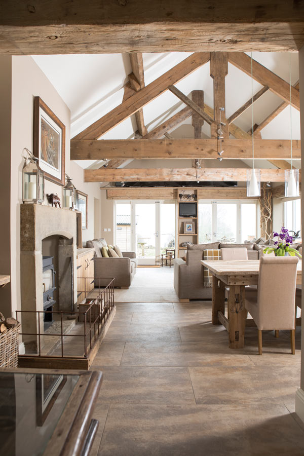 extension-with-vaulted-ceiling-and-exposed-oak-trusses