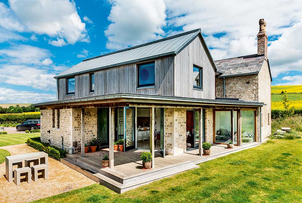 old-cottage-extension-covered-outdoor-space