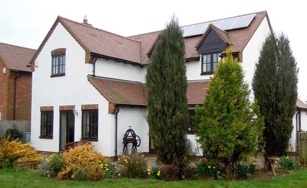 Ian's-house-before-renovation