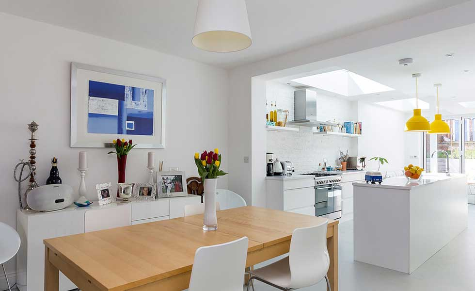 Contemporary kitchen diner in terraced house