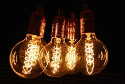 dowsing & Reynolds filament light bulbs