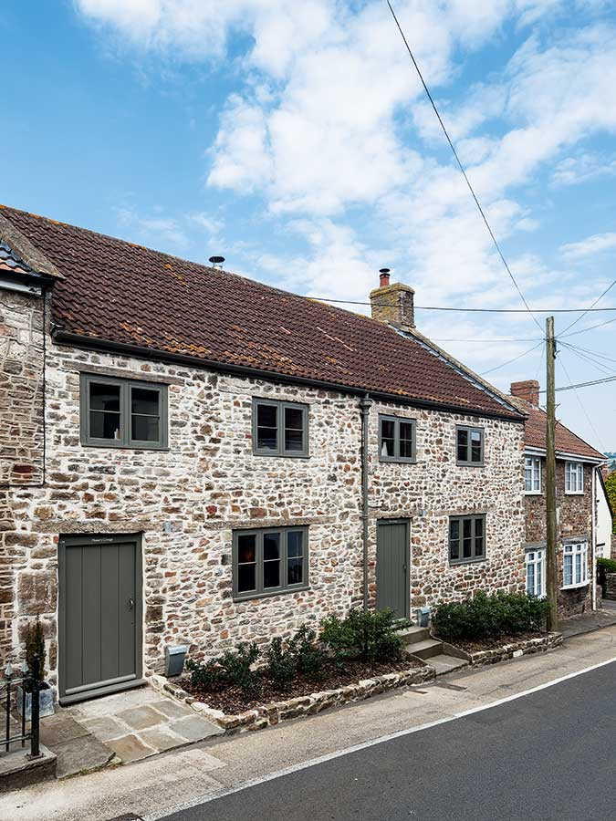 Listed renovated brick cottage