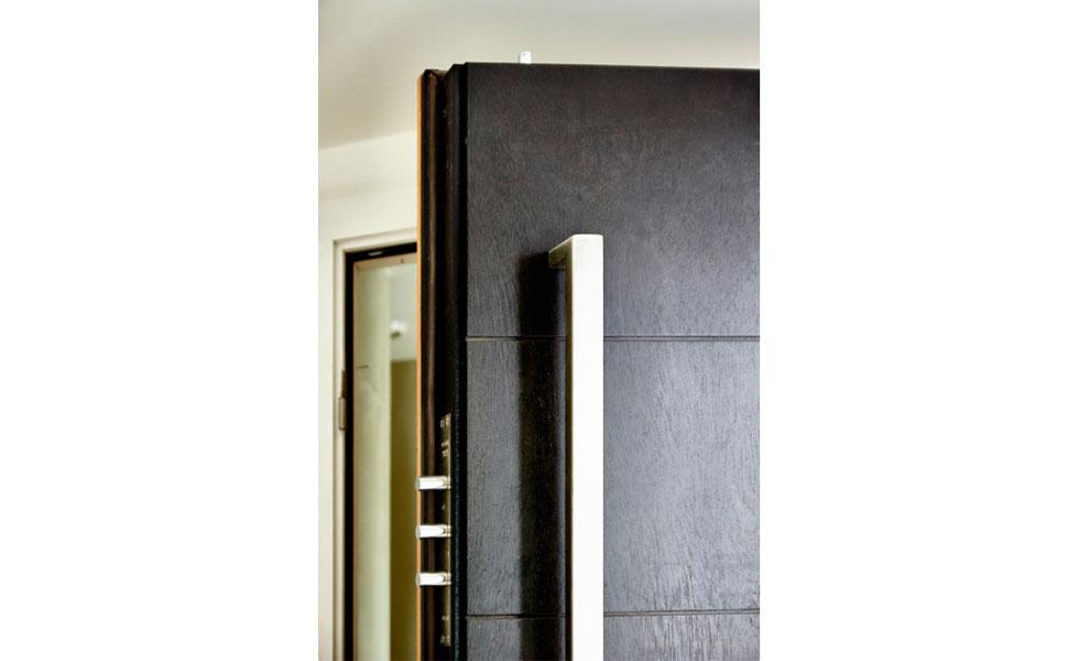 secrue-house-steel-doors