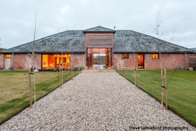 Transformation of barn with contemporary rooflights