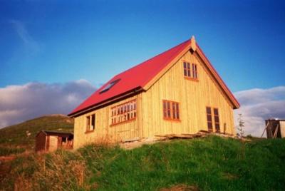 Wooden-house-Lochdhu-Cott