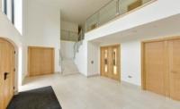 light-wood-hallway-Doorsan