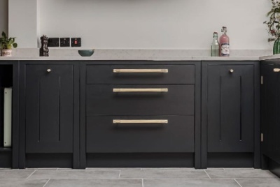 Black-brass-kitchen