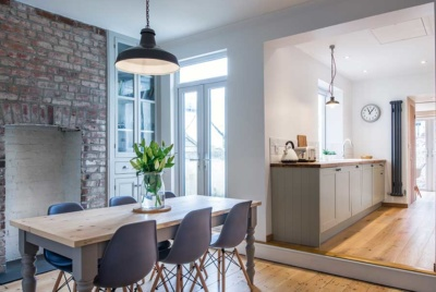 Open plan split level kitchen diner