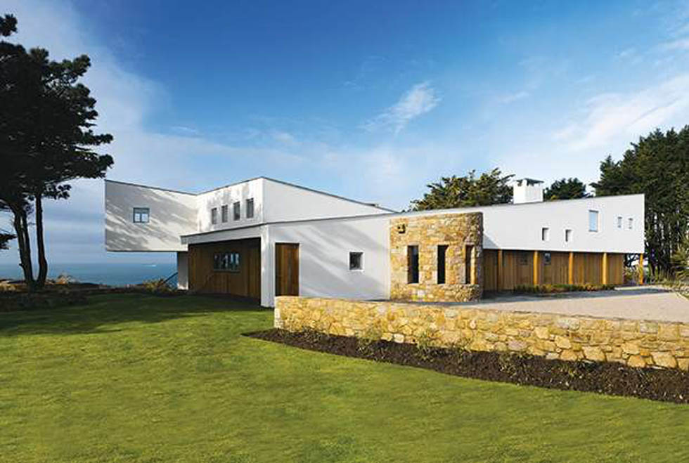 Contemporary self build featuring ICF