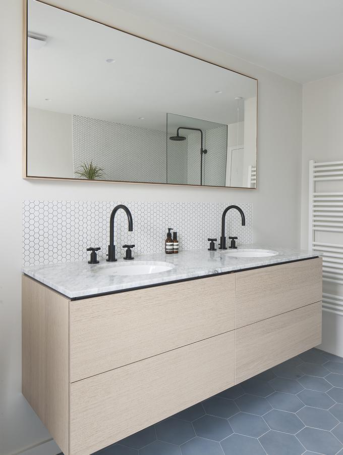 contemporary marble bathroom