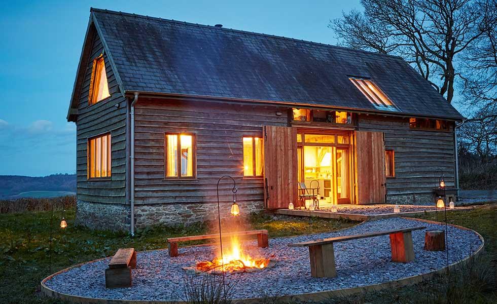 oak-frame-barn-style-home