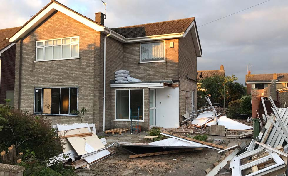 tired looking house before exterior facelift