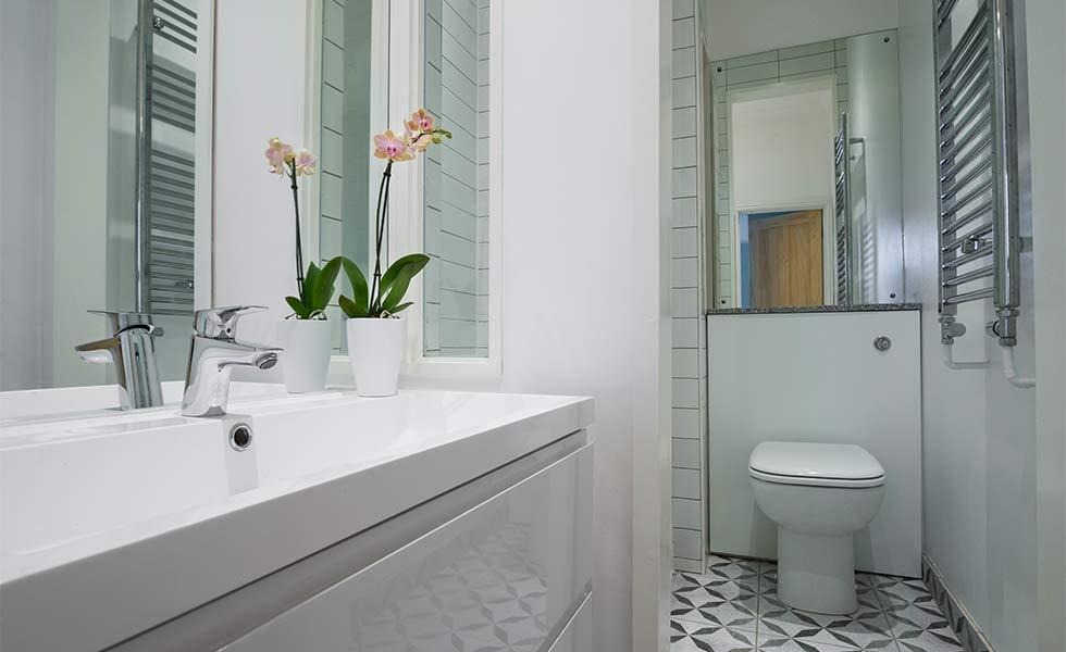 Downstairs WC with contemporary sanitaryware