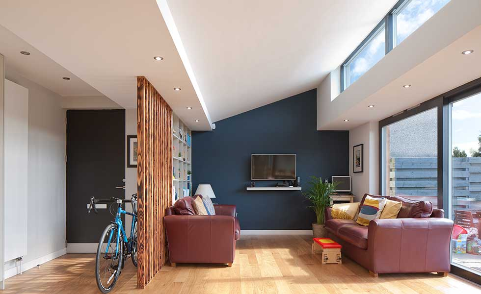 open-plan-living-room-in-an-accessible-bunaglow