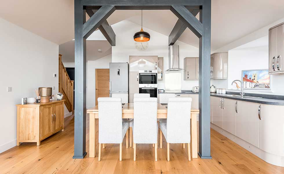 Kitchen and internal beams