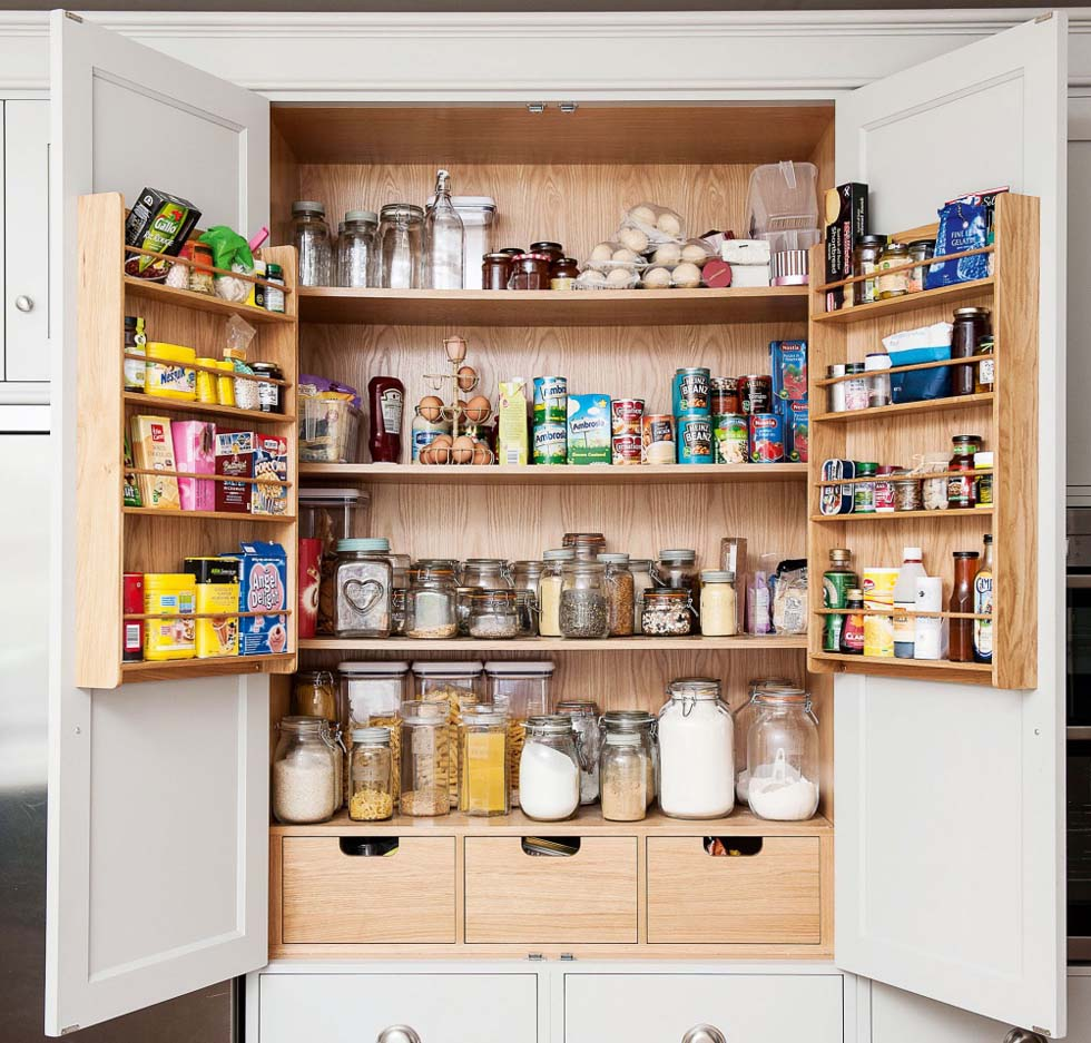 built in larder from Rencraft