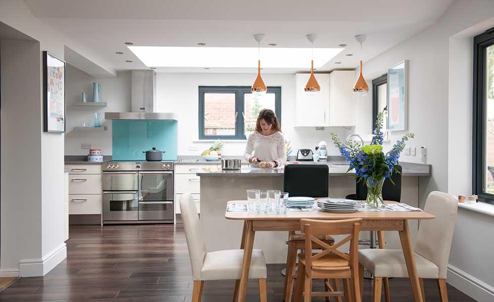 New kitchen diner in broken plan space