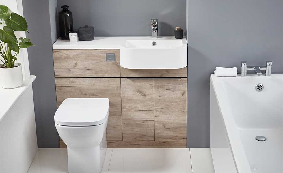 Fitted furniture in small bathroom