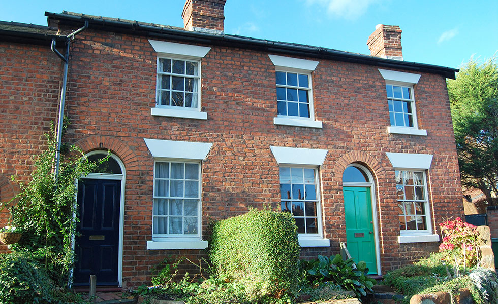 exterior of house with gerogian sash windows