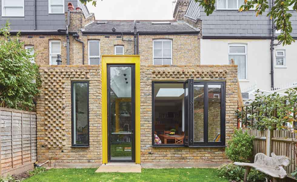 Home design idea: bring the colour pop outside