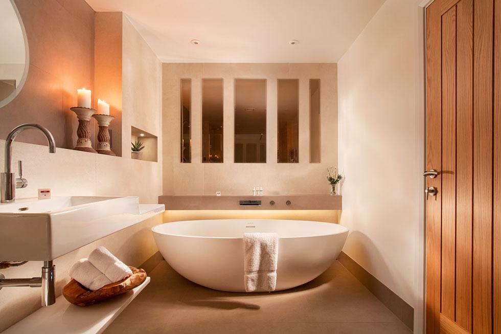 Luxury bathroom in Gitcombe Retreat