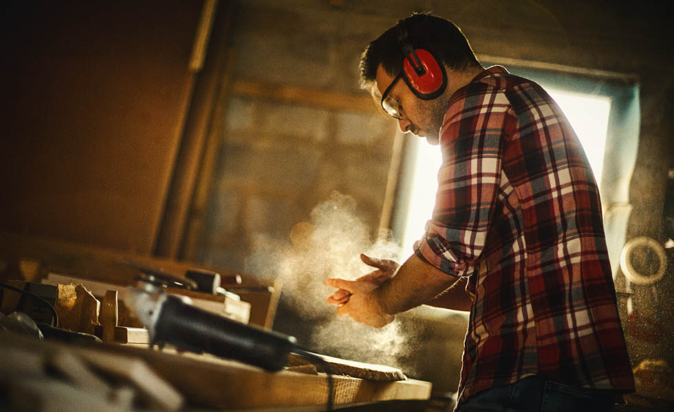 Removators can still purchase DIY tools from builders merchants