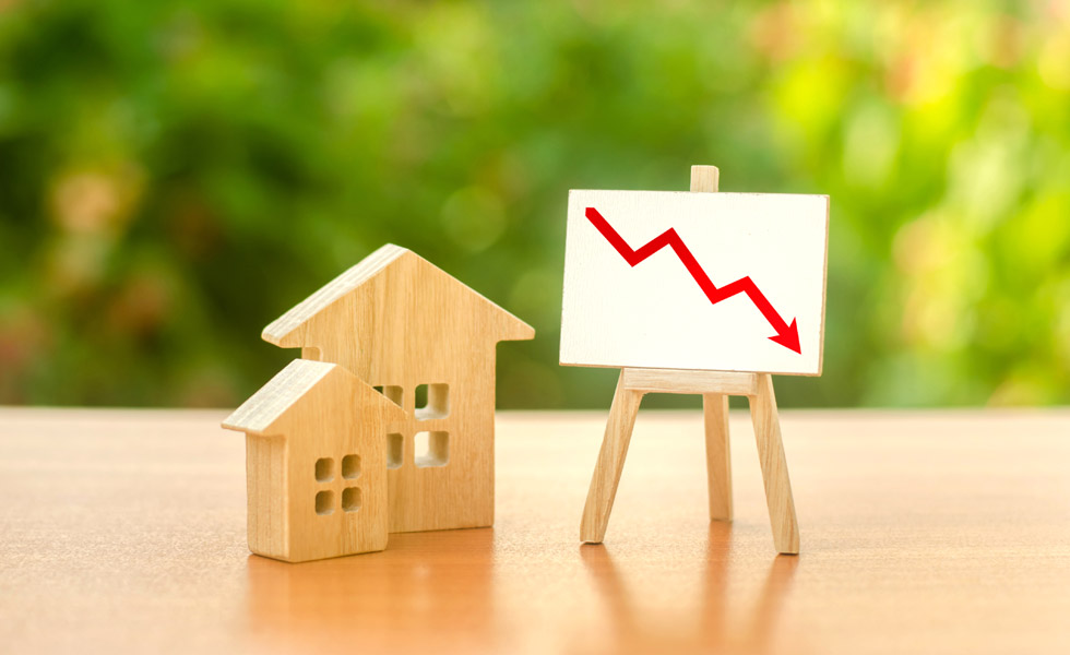 House prices drop three months in a row