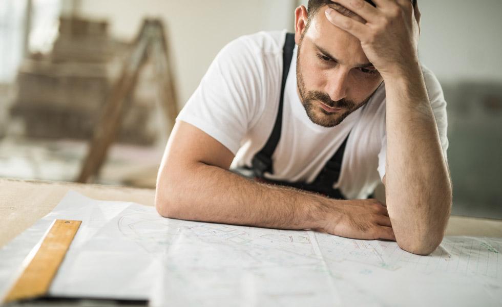 Construction firms facing financial crisis