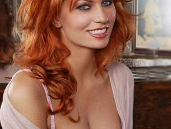 Comedian April Macie to co-host 2013 AVN Awards