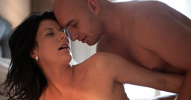 FrolicMe.com review – erotica for couples