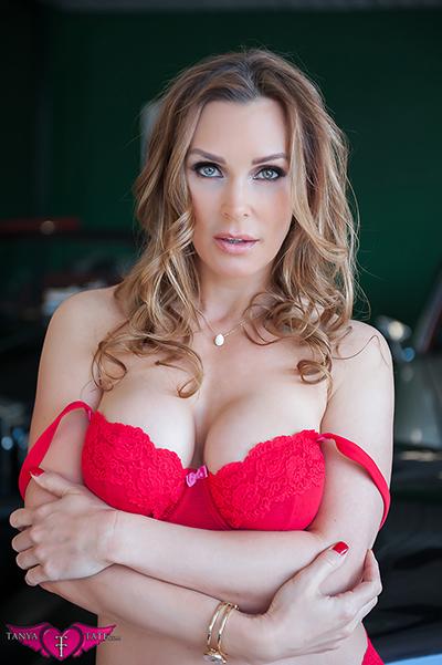 MILF Tanya Tate in red lingerie