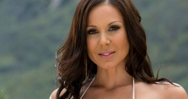 MILF Kendra Lust gets covered for box cover