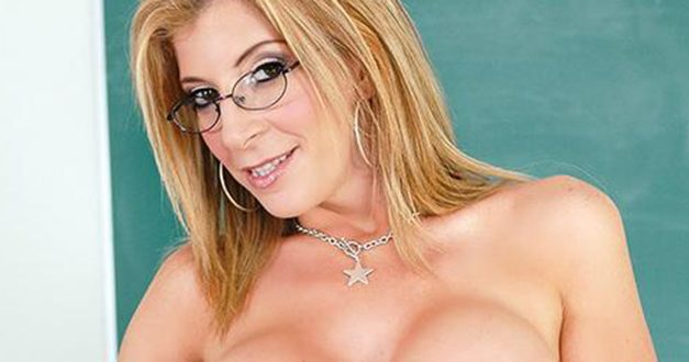 Sara Jay heads to Exxxotica Chicago