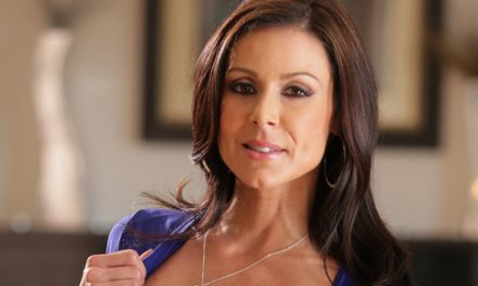 Kendra Lust wins Nightmoves award