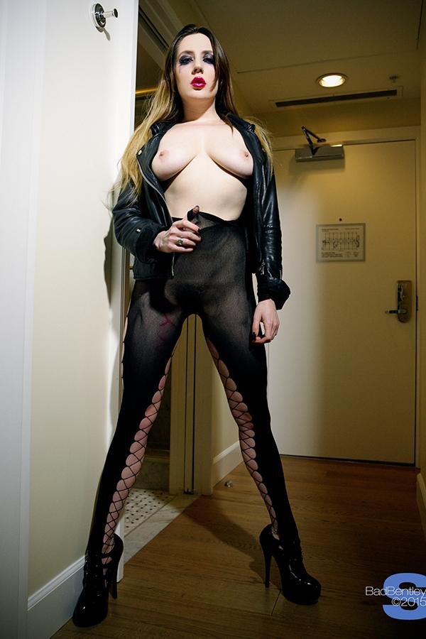 Samantha Bentley topless