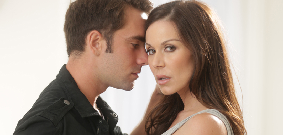"Kendra Lust & Julia Ann in ""Mother Exchange 5″"
