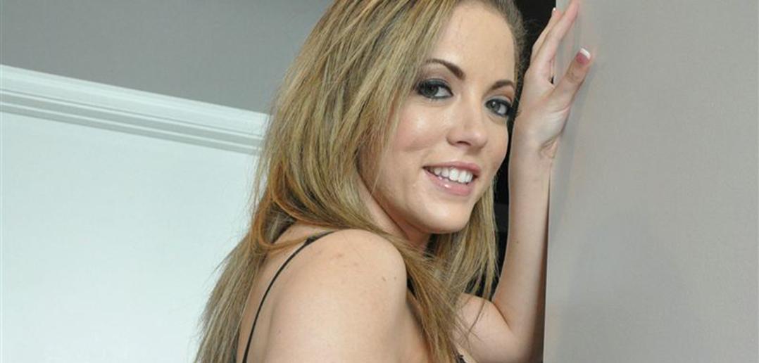 Carmen Valentina is set for AVN Expo