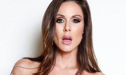 MILF Kendra Lust takes two 2016 AVN Awards