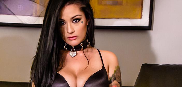 Katrina Jade wins fan contest