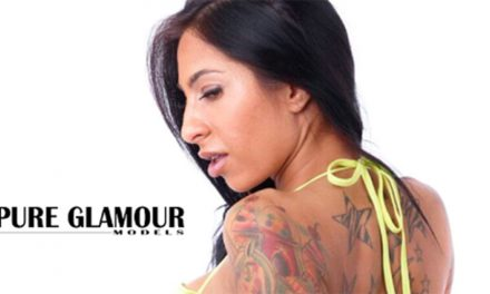 Stacy Jay signs with Glamour Models