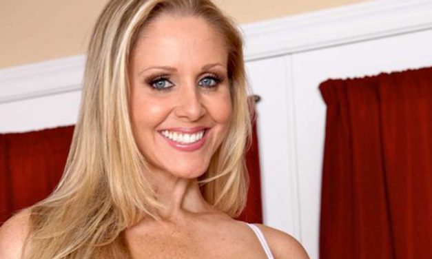 Julia Ann launches website for women