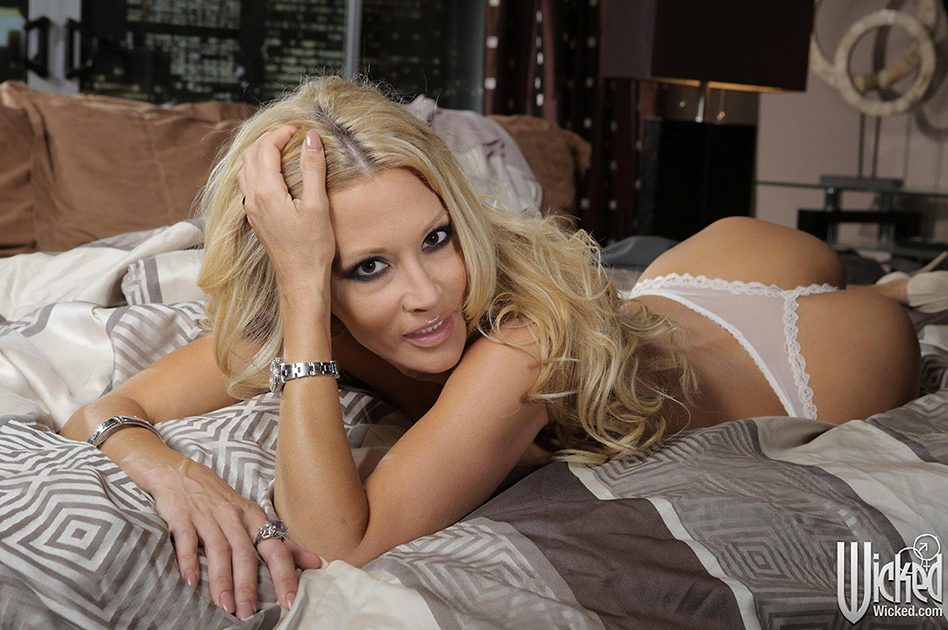 Wicked Pictures wrap 'jessica drake is Wicked'