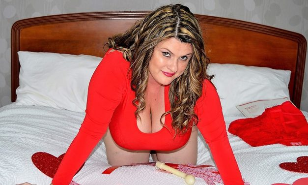 Sponsor Kimmie KaBoom to attend CamCon