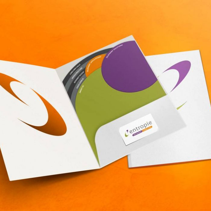 Entropie brochure mockup open