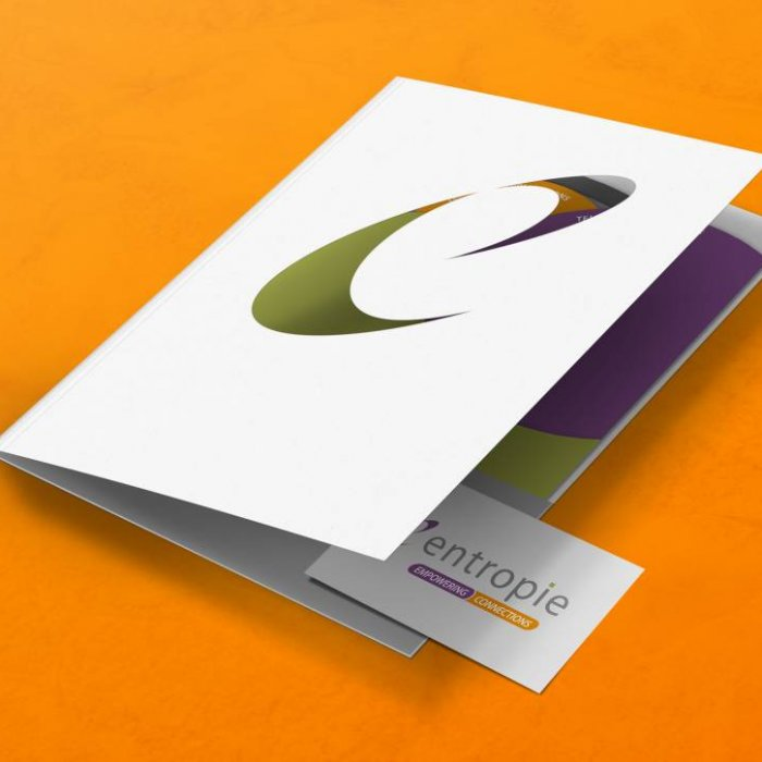 Entropie brochure mockup opening