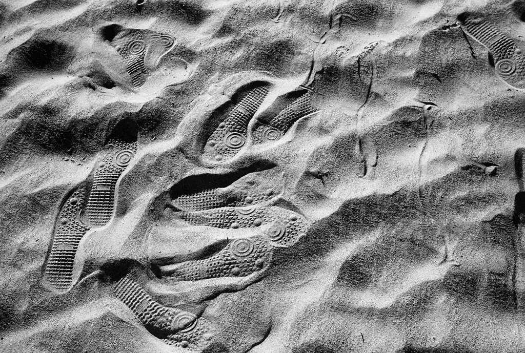 Footprints, Flickr, under creative comms, Susan Sermoneta